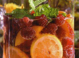 Čaj - ohlađen i adekvatno pripremljen i ljeti pruža nezamjenjivi užitak